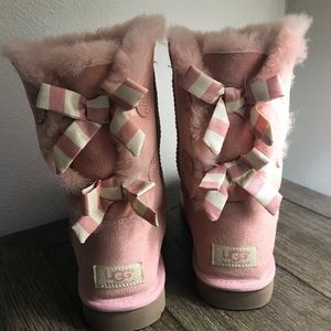 Pink ugg boots with Bailey Bows